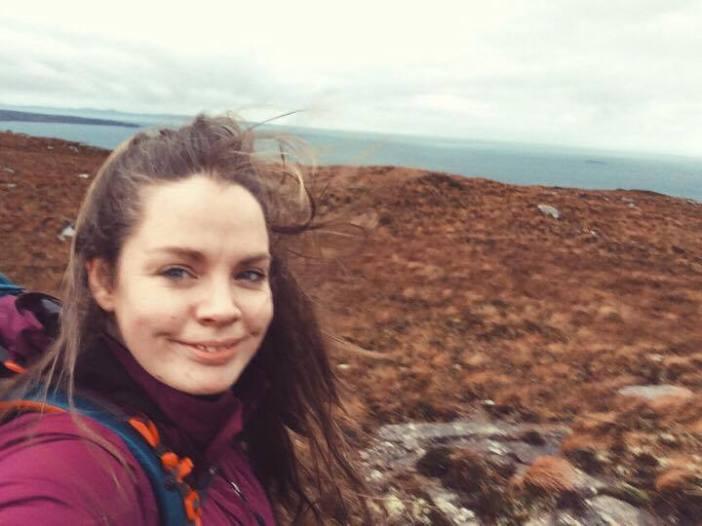hill selfie